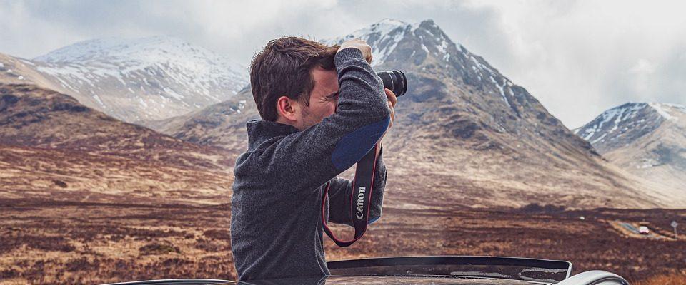 Fotograf i bil